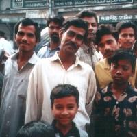 La comunità bengalese si stringe intorno alle vittime di Dacca