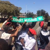 Zimbabwe, un paese in piazza