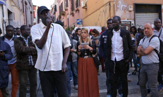 Una morte migrante per strada : il centro di Roma si macchia di sangue.