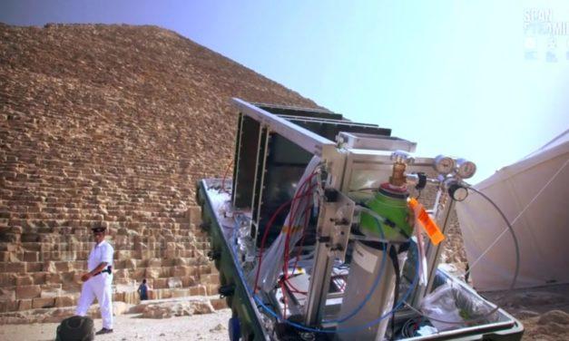 Il vulcano e la piramide